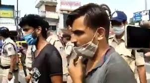 Jabalpur, Gunda brutally ,beating auto driver, arrested, police took out procession