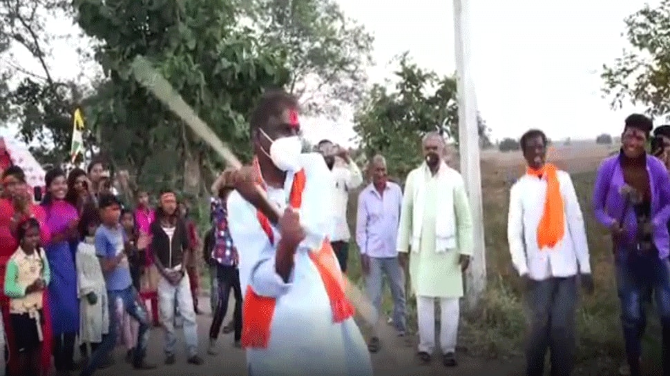raisen,MP by-election, BJP candidate, enters Dangal