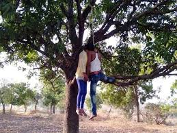 Indore, Youth-woman ,commits suicide,hanging on tree