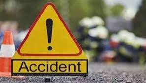 rajgarh,Pickup vehicle, collides with person , foot, dies